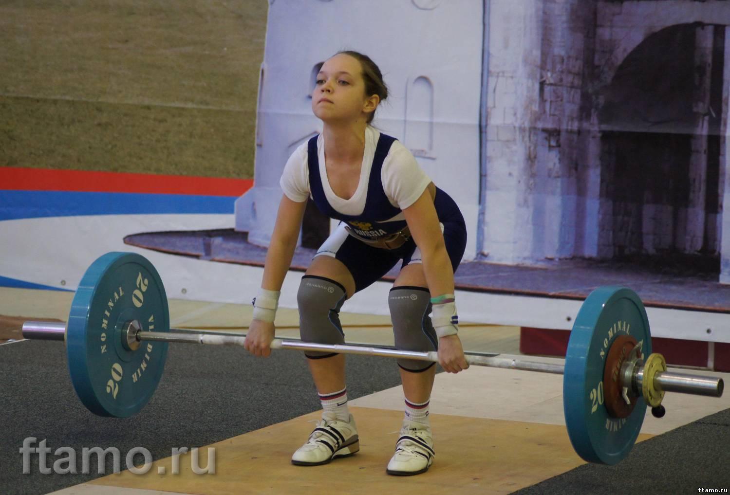 Девушка тяжелоатлет фото
